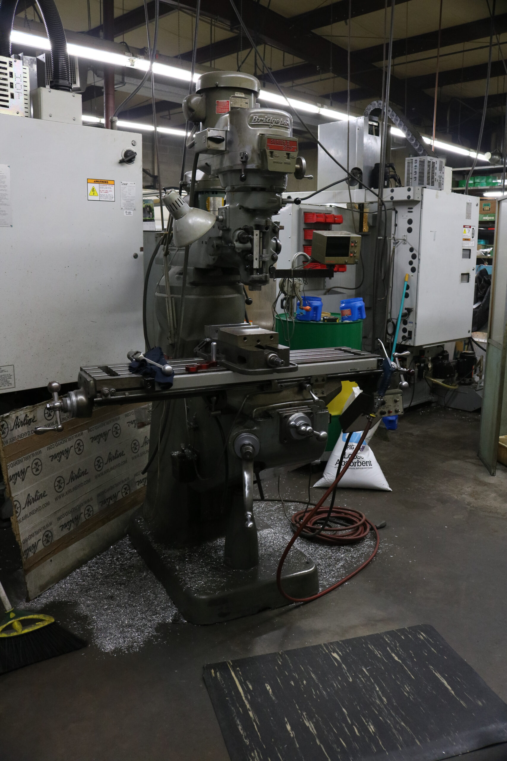 A metal milling machine at Kelley-Tron Machine Co.
